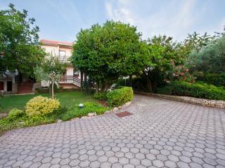 Walnut Tree 80 m2 sunny apartment - Porec vacation rentals