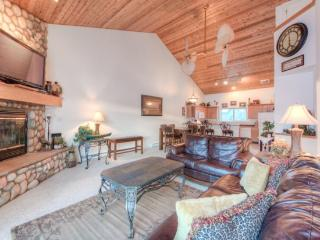 Escape to the Mountains Magnificent Chalet Free Wifi, shuttle to Big Sky Resort - Big Sky vacation rentals
