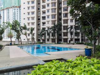 Comfy Twin Room, Casa Tropicana Condo - Petaling Jaya vacation rentals