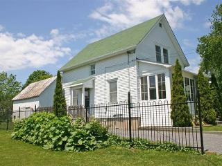 Cozy House with Grill and Internet Access - Wellington vacation rentals