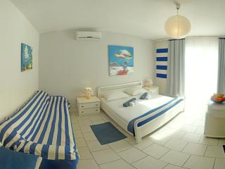 Comfort room with breakfast, free gym and wi-fi - Pag vacation rentals