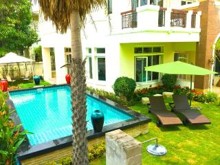 5 Bedroom  Private Pool Mansion Bangkok - Nonthaburi vacation rentals