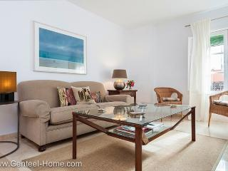 Iris. Comfort, quality, unbeatable location. - Seville vacation rentals