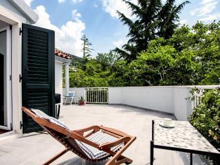 AdriaBol Luna - Bol vacation rentals