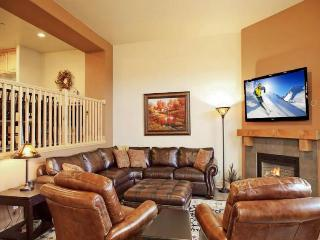 Two story, posh townhome w/ private hot tub, views, & shared pool access! - Park City vacation rentals