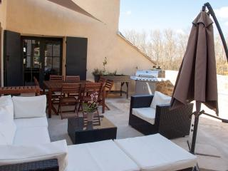 Les Galets, perfect spot to enjoy Luberon! - Cucuron vacation rentals