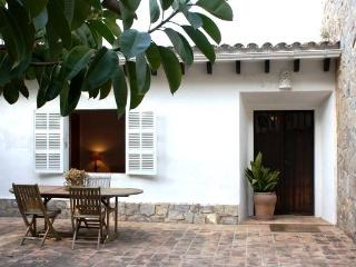 Mediterranian house in a quiet location with Wi-Fi - Cala Ratjada vacation rentals