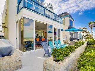 Luxurious ground floor condo- private patio, near boardwalk, BBQ, w/d - Pacific Beach vacation rentals