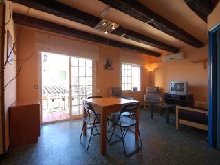 Cozy 2 bedroom Tossa de Mar Apartment with Internet Access - Tossa de Mar vacation rentals
