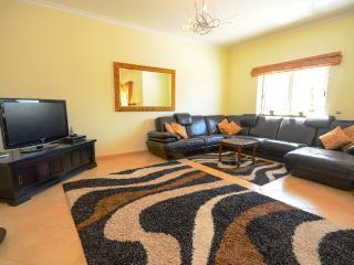 Perfect 5 bedroom Albufeira Villa with Deck - Albufeira vacation rentals