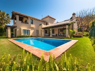Beautifully Sized Villa in New Golden Mile - Costa del Sol vacation rentals