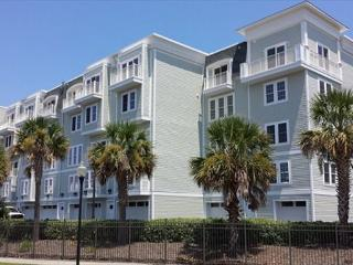 Oar Knot - Waterview - Relax in this beautiful town home in a gated community - Southport vacation rentals