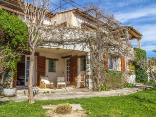 PROVENCAL VILLA WITH POOL, GARDEN & SEA VIEWS - Tourrettes-sur-Loup vacation rentals