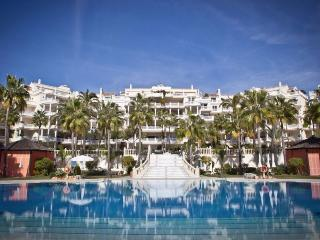 Bright & Extremely Spacious Luxury Apartment - Estepona vacation rentals