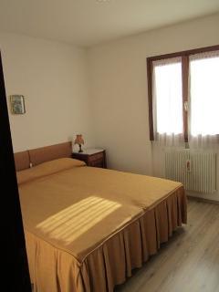 Bright 3 bedroom Apartment in Madonna Di Campiglio with Parking - Madonna Di Campiglio vacation rentals