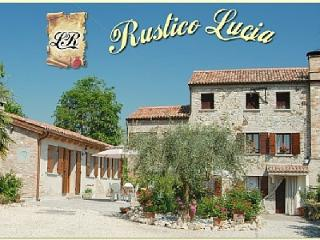 Rustico Lucia: rural Villa with pool near Venice - Arqua Petrarca vacation rentals