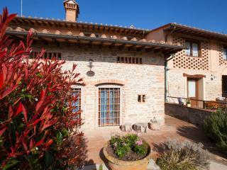 Mugello Vacanze Appartamenti Indipendenti - Scarperia vacation rentals