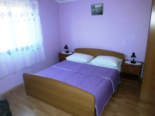 Cozy Apartment 3 for 5 with air conditioning and balcony - Tribunj vacation rentals