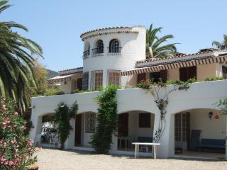 MAGNIFIQUE MAISON VUE IMPRENABLE SUR BAIE - Porticcio vacation rentals