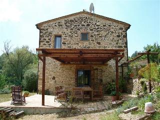 Villa di campagna con grande giardino vicinanza - Guardistallo vacation rentals