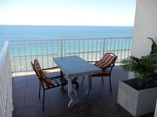 AMAZING OCEANFRONT FORT LAUDERDALE BEACH CONDO - Fort Lauderdale vacation rentals