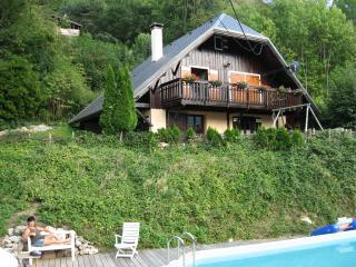 Large apartement in chalet, Le Maurienne, Savoie - Saint-Jean-de-Maurienne vacation rentals