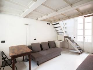 SPLIT LEVEL STUDIO WITH KITCHEN - Milan vacation rentals