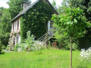 Romantic Coutances vacation Cottage with Internet Access - Coutances vacation rentals