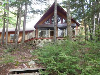 A Private Cabin, Right on the Lake. - Brooks vacation rentals