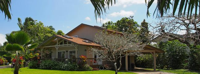 Otside of the House - The Miller Hanalei House,  200 Yards to the Beach - Hanalei - rentals