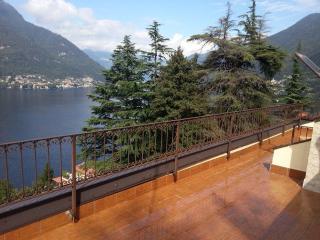 Lago di  Como Appartamento con terrazzo vista lago - Faggeto Lario vacation rentals