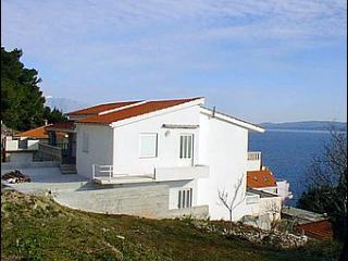 Mediteran E - Omis vacation rentals