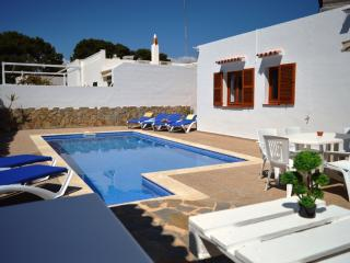 Lovely 4 bedroom Villa in Cala Galdana with Dishwasher - Cala Galdana vacation rentals