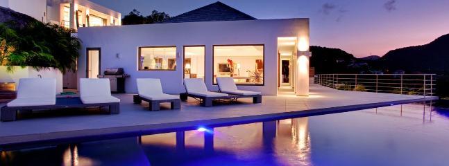 Villa Avenstar 2 Bedroom SPECIAL OFFER Villa Avenstar 2 Bedroom SPECIAL OFFER - Camaruche vacation rentals