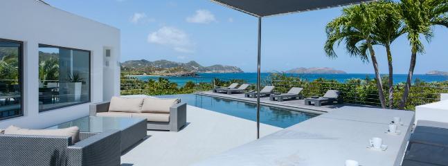 Villa Avenstar 4 Bedroom SPECIAL OFFER - Camaruche vacation rentals