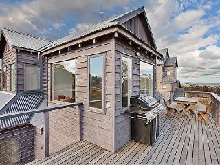Lovely Chalet with Deck and A/C - Dinner Plain vacation rentals