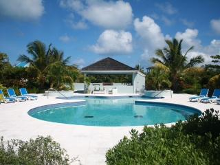Charming 2 bedroom Thompson Cove Villa with Internet Access - Thompson Cove vacation rentals