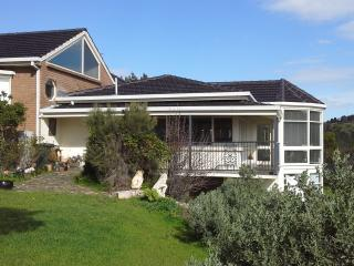 Beautiful 3 bedroom Adelaide Guest house with Internet Access - Adelaide vacation rentals