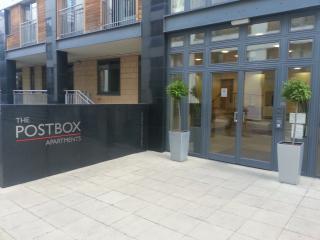 2 bedroom Apartment with Internet Access in Birmingham - Birmingham vacation rentals
