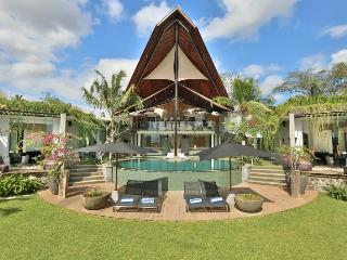 Beautiful Villa with Deck and Internet Access - Canggu vacation rentals