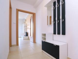 1 bedroom Apartment with Dishwasher in Malinska - Malinska vacation rentals