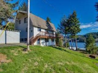 Spacious Lake House with Game & Bonus Room - Lincoln City vacation rentals