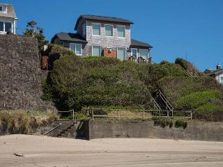 Enjoy this Oceanfront Beauty with Private Beach Access! - Lincoln City vacation rentals