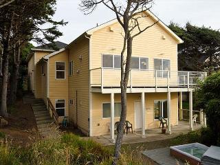 Stunning Oceanfront with Private Beach Access, Bonus Room, Hot Tub, & Sauna - Gleneden Beach vacation rentals