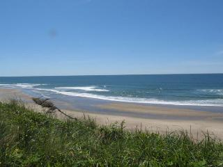 Accessible Oceanfront Home Near Beach Access in Roads End - Lincoln City vacation rentals