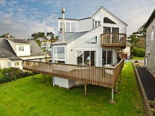 Unique Oceanfront with Close Beach Access - Lincoln City vacation rentals