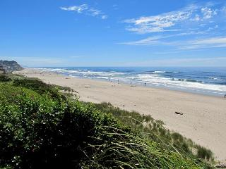 Modern Oceanfront Home w/ Private Beach Access - Lincoln City vacation rentals