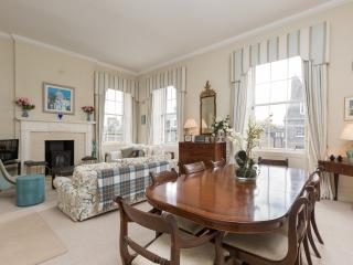 Castle Street apartment - Edinburgh vacation rentals