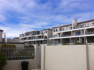 Unit L12 Waves Edge - Bloubergstrand vacation rentals