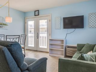 1 bedroom House with Shared Outdoor Pool in Gulf Shores - Gulf Shores vacation rentals